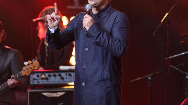 Διάσημος τραγουδιστής έχει σκεφτεί να αλλάξει φύλο