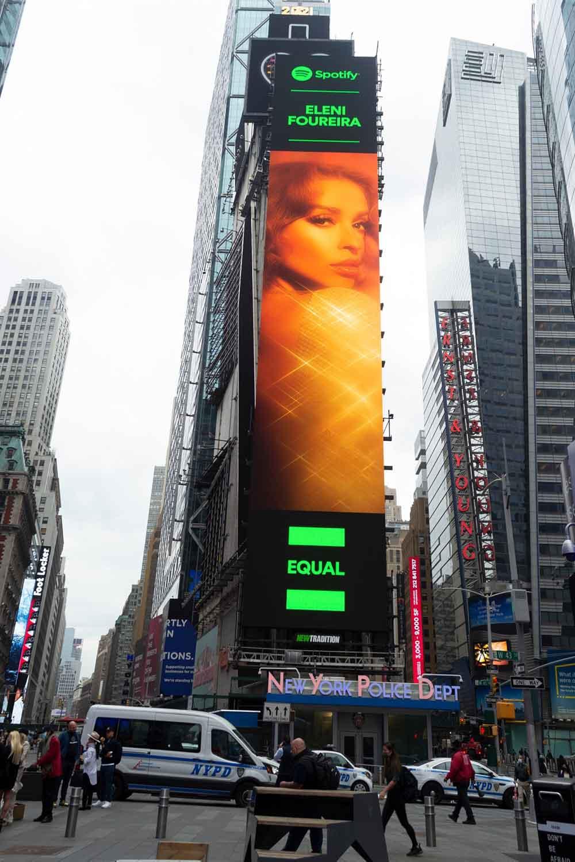 Ελένη Φουρέιρα Times Square