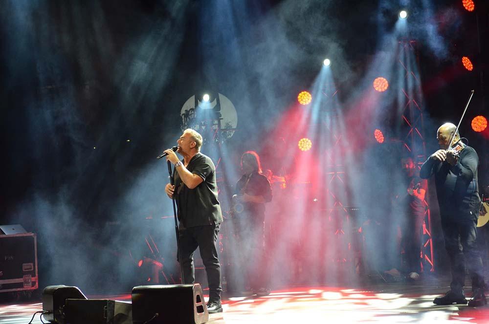 Αντώνης Ρέμος συναυλίες σε Αθήνα Θεσσαλονίκη
